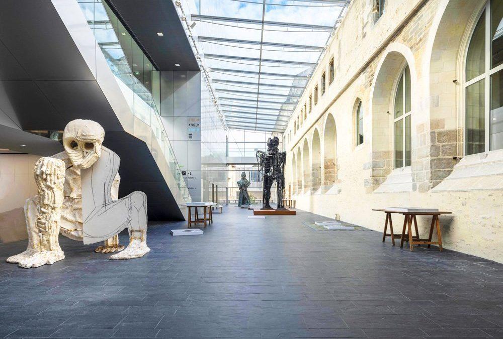 « DEBOUT ! » Une exposition de la collection Pinault àRennes